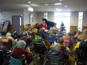 みんなでクリスマスソングを唄いました。