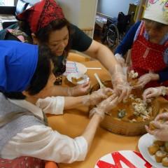 寿司飯の粗熱は、ジャニーズ団扇で煽ぎました。